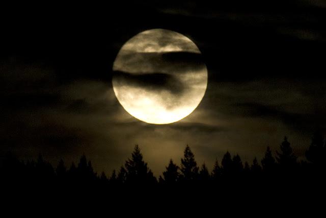 March Moon rise Cobham 04.1D3_8551 1